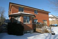 Haus unter dem Schnee Lizenzfreies Stockfoto