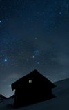 Haus unter den Sternen Stockbild