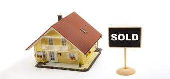 Haus verkauft lizenzfreies stockfoto