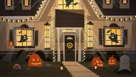 Haus verziert für Halloween-Wohnungsbau Front View With Different Pumpkins, Schläger-Feiertags-Feier-Konzept Stockbilder