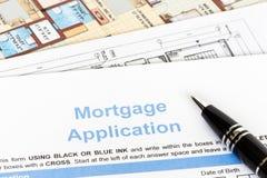 HausAntrag auf Hypothekendarlehen mit Stift Stockfoto