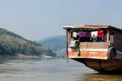Hausboot auf dem Mekong lizenzfreies stockfoto