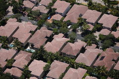 Hausdächer in einer Nachbarschaft Stockfotos