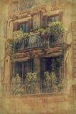 Hausfassade in Barcelona Abbildung der roten Lilie Stockbilder