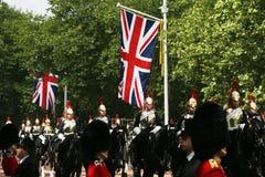 Haushalts-Kavallerie am Geburtstag der Königin führen vor Stockbild