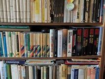 Haushaltsbibliothek Stockfoto