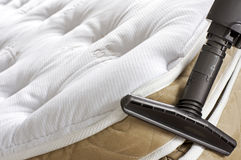 Haushaltung - Bett-Programmfehler Lizenzfreies Stockbild