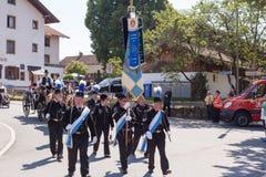 Hausham/Duitsland/Beieren-Bavaria-09 Augustus: mijnwerkers in feestelijk kostuum Stock Foto