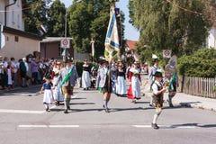 Hausham, Niemcy/Bayern-09th Sierpień: kostiumy tłuc Wendelstein Hausham Zdjęcia Royalty Free