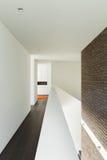 Hausinnenraum, Durchgangsansicht Stockfotos