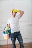 Hausmeister, der Sie vom Schmutz beraubt Lizenzfreies Stockfoto