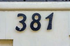 Hausnummer 381 Stockbild