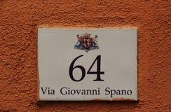 Hausnummer 64 Stockbilder