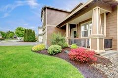 Hausportal mit schöner Landschaft Lizenzfreie Stockbilder