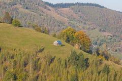 Hausse d'été dans les collines de la Transylvanie Images stock