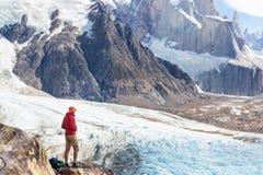 Hausse dans le Patagonia images stock