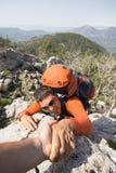 Hausse dans les montagnes images stock