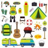 Hausse de l'ensemble Collection d'été de vecteur d'équipement de camping Photos libres de droits