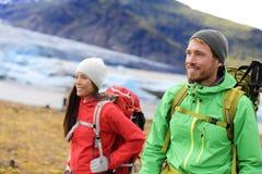 Hausse des personnes de voyage d'aventure Photos libres de droits