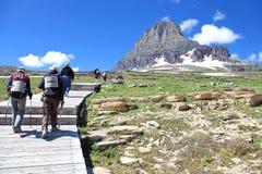 Hausse du parc national de glacier de promenade Photographie stock