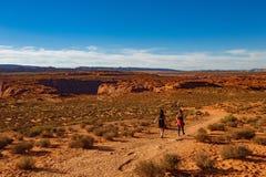 Hausse du voyage de Grand Canyon à la courbure en fer à cheval, l'Arizona photo libre de droits