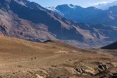 Hausse en montagnes de l'Himalaya Abaissez le mustang, Népal Photographie stock libre de droits
