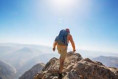 Hausse en montagnes photos libres de droits
