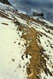 Hausse sur le chemin de neige Photographie stock
