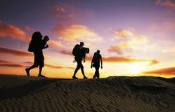 Hausse sur le coucher du soleil Image libre de droits