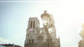 Haussmannian budynku niecka notre-dame de paris katedra w Paryż zdjęcie wideo