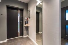 Haustür - Ansicht von Innen lizenzfreie stockfotografie