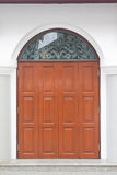 Haustür gemacht vom Glas und vom Holz Stockbilder