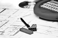 Hauszeichnung und Lego Würfel Lizenzfreies Stockbild