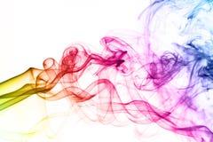 Haut étroit coloré de nuages de fumée. Images libres de droits