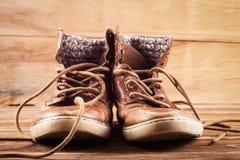 Haut étroit d'espadrilles de Brown Photo libre de droits