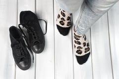 Haut étroit de jambes de femme Photographie stock libre de droits