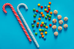 Haut étroit de sucreries colorées Photos stock