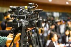 Haut appareil-photo de cinéma de définition sur un décor de film photos stock