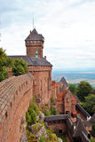 Haut Koenigsbourg slott Arkivfoton