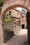 Haut-Koeningsbourg城堡  图库摄影