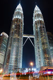451 haut Kuala Lumpur Malaisie dose des tours de petronas de nuit Photos libres de droits
