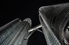 451 haut Kuala Lumpur Malaisie dose des tours de petronas de nuit Photo libre de droits