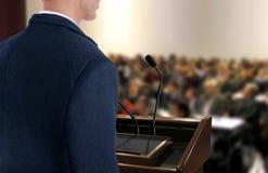 Haut-parleur à la présentation de séminaire photos libres de droits