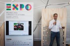 Haut-parleur au prochain Fest de câble à Milan, Italie Images libres de droits