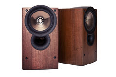 Haut-parleur dans le coffret en bois, d'isolement Image stock