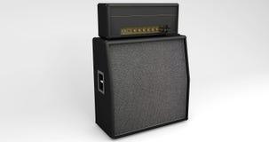 Haut-parleur et amplificateur de guitare sur le fond clair Photos libres de droits