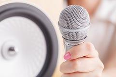 Haut-parleurs de haute qualité avec le composant Achetez le système de son de haute fidélité pour le studio d'enregistrement sono Photos libres de droits