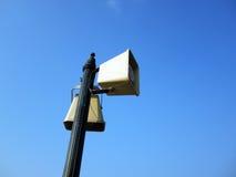 Haut-parleurs et ciel bleu images libres de droits