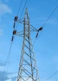 Haut poteau de tension de l'électricité Images stock