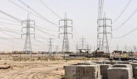 Haut pylône d'ingénierie en construction Image libre de droits